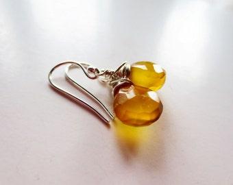 Sunshine yellow earrings. Yellow chalcedony earrings. Wire wrapped earrings. Mustard yellow earrings. Chalcedony jewelry. Briolette earrings