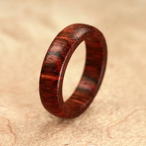 Black Poisonwood Ring No. 10 Size 7.25 (08-28-2012)