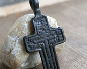 antique or vintage cross, probably XIXth cent, jewelry, religion curcifix, faith christianity, coolvintage, metal patina cross, x 338
