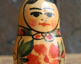 vintage RUSSIAN matroshka doll... Dec 04