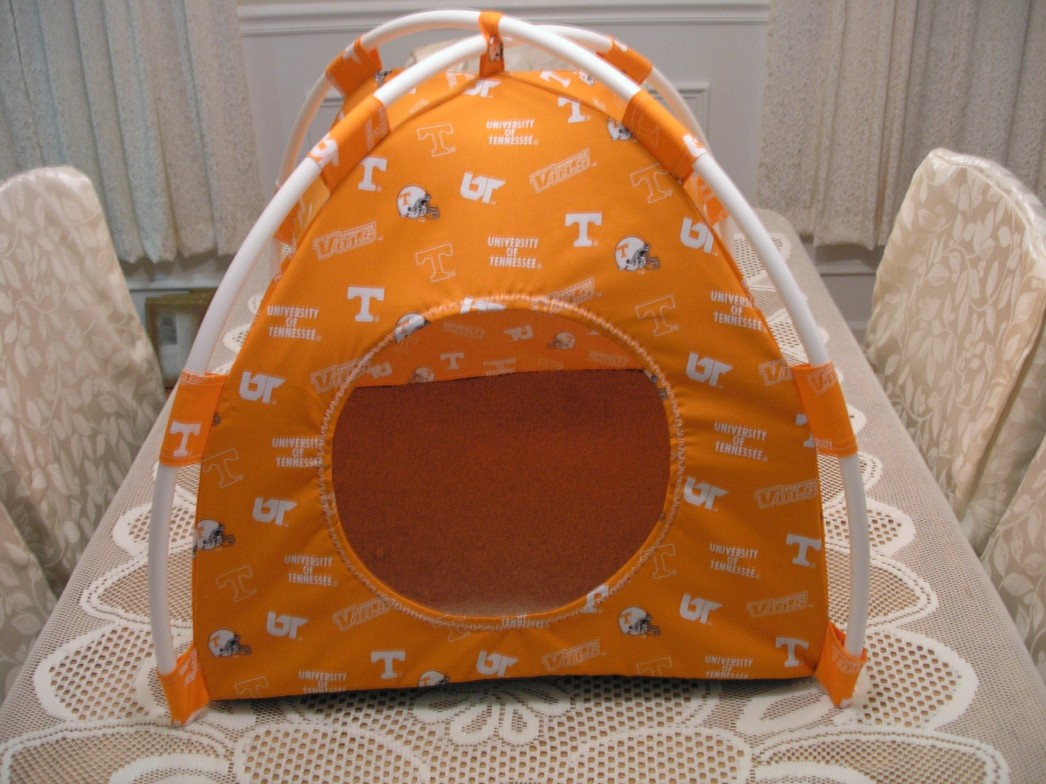 small handmade tennessee vols pup tent pet bed for cats dogs. Black Bedroom Furniture Sets. Home Design Ideas