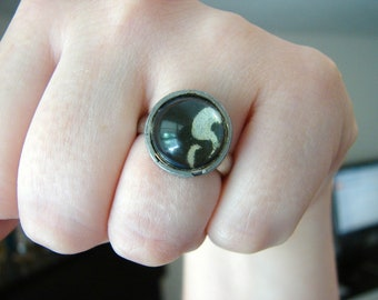 Vintage silver ring with gray and silver swirl design- size 6.5 to 7