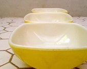 Set of 3 Small Square Yellow Vintage Pyrex Bowls