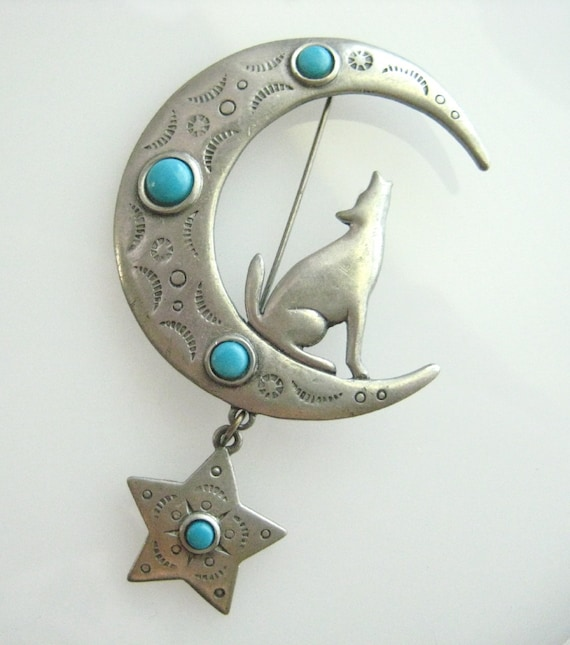 Vintage JJ Southwestern Coyote Howling At The Moon Brooch