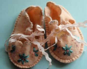 Peachy Pink Baby Booties - recycled soft wool with flowers