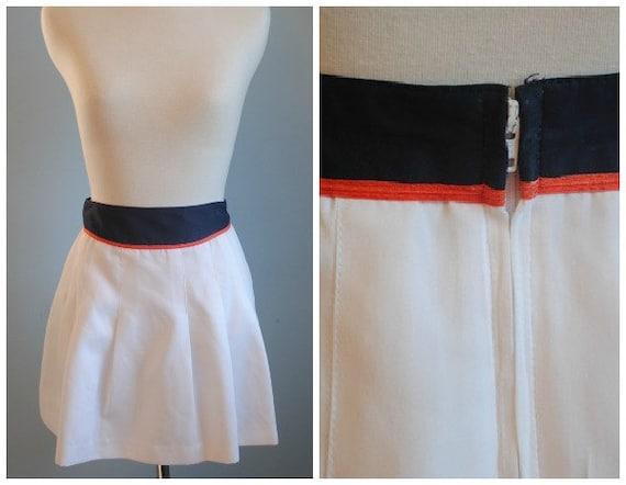 Vintage White Tennis Mini Skirt with Navy Blue and Orange Waist Band sz M L