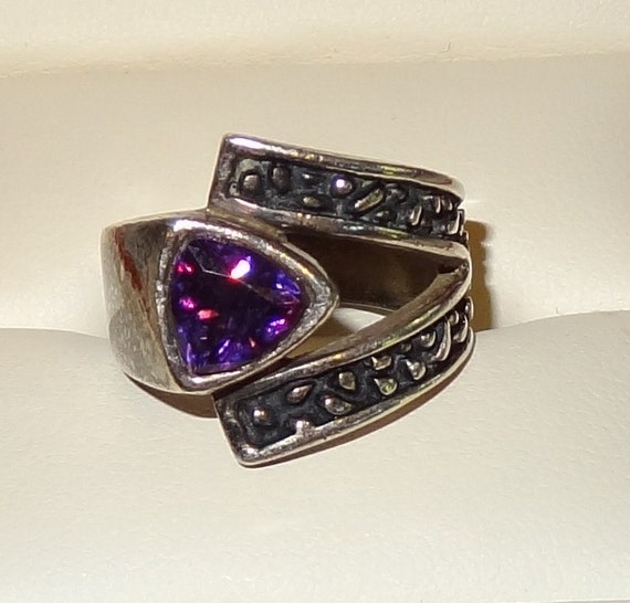 Vintage Sterling Silver and Trillion Cut Amethyst Ring Size 6