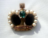 Vintage Crown Brooch with Art Glass Faux Pearl Rinestones