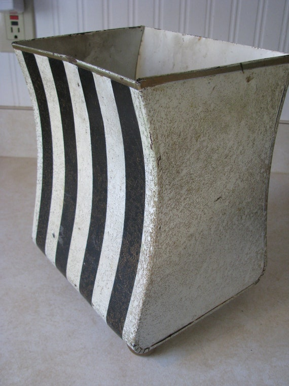Vintage Shabby Black And White Stripe Gold Crackle Paint