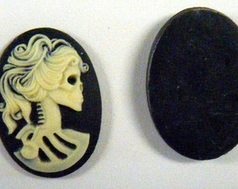 Cameo Skeleton Victorian Woman 40mm x 30mm Resin Cameo Cabochon Flat Back Black and Ivory 2 pieces