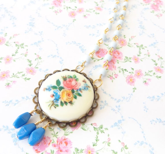 Angelina - Vintage Floral Rose Necklace