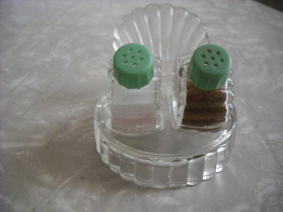 Vintage Salt and Pepper Shakers Glass Scallop Sea Shell  With Holder