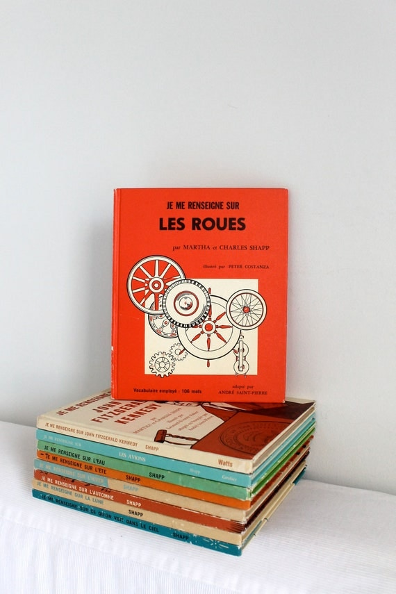 RESERVED FOR SUSAN -  70s Children's French book- Je me renseigne sur les roues