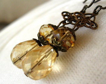 Jolene - Amber glass brass earrings - Elysia