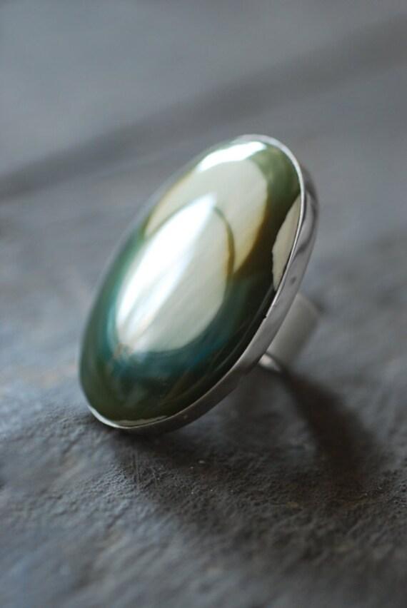 Sublunary Green Ring