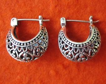 Ravish Balinese Sterling Silver Hoop Earrings / silver 925 / Bali handmade jewelry.