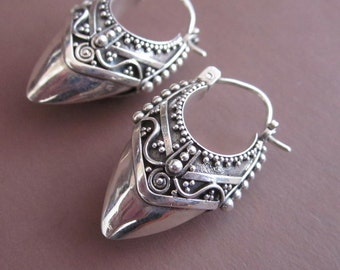Awesome Bali Sterling Silver Traditional Style Hoop Earrings / sterling silver / Handmade Jewelry / 1 inch long