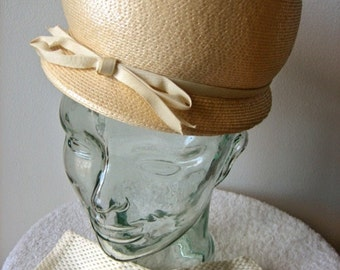 HAT Vintage Pill Box era Costume Jackie O Vogue Dress Up Cream Bob with Gloves