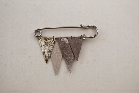 ICICLE no. 34 - metallic leather brooch