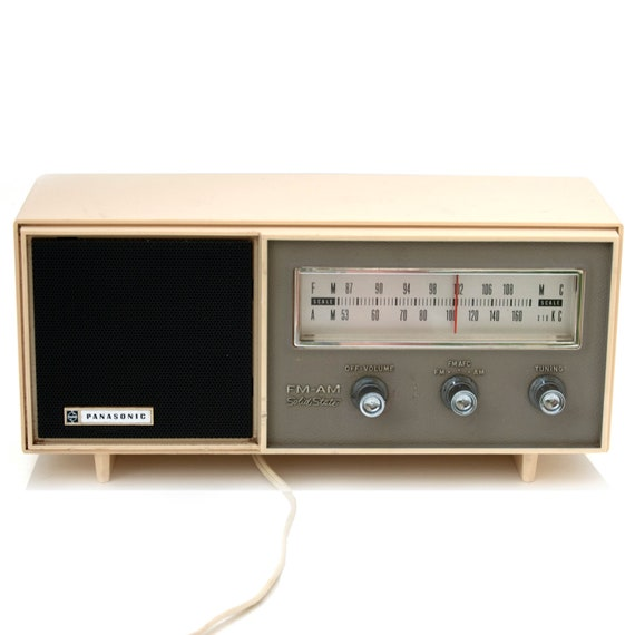 Retro Panasonic Radio