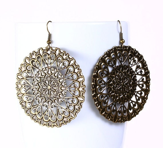 Antique brass round filigree drop earrings (535) - Flat rate shipping