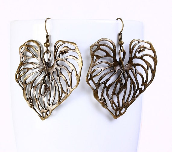 Antique brass lily pad leaf drop dangle earrings (566) - Flat rate shipping