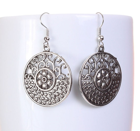 Silver tone filigree flower round drop dangle earrings (594) - Flat rate shipping