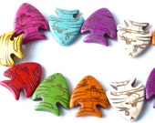 "Big multicolour stone fish beads summer- assorted rainbow colours - 1""x1"" inches - dyed howlite antiqued effect - 8 pieces"