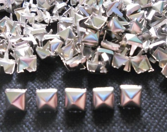 100 pcs Silver tone Pyramid Stud spot spike for leather craft - size 9 mm