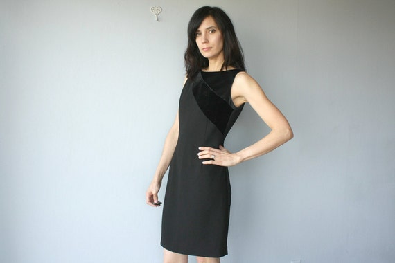 SALE / black cocktail dress / 80s sheath dress / 1980s Bob Mackie dress - size small , medium