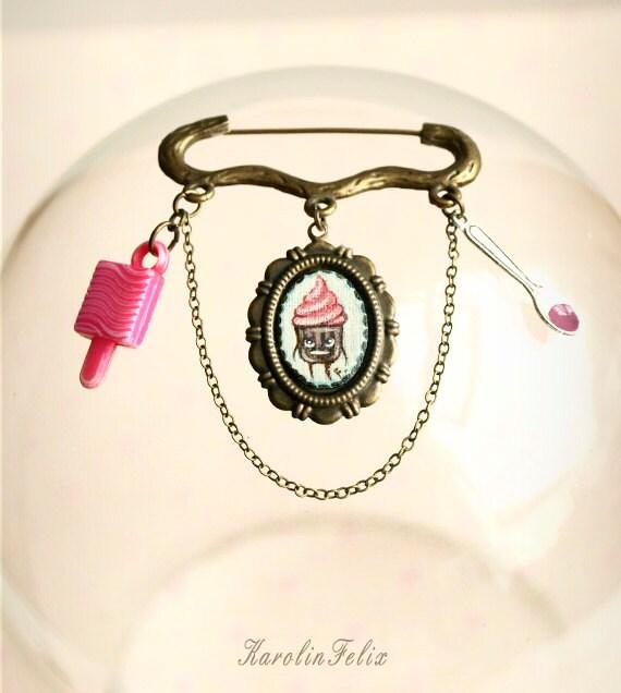 Bargain - Mr Cupcake. cameo brooch. Sweet art by KarolinFelix