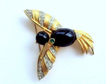 Vintage Exquisite Estate Faux Onyx, Goldtone,Rhinestone Brooch 1960s