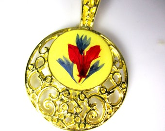 Lovely Flowers, Pressed Flowers on Ornate Thickly Gold Plated Pendant, Real Flowers,  Resin (1106)