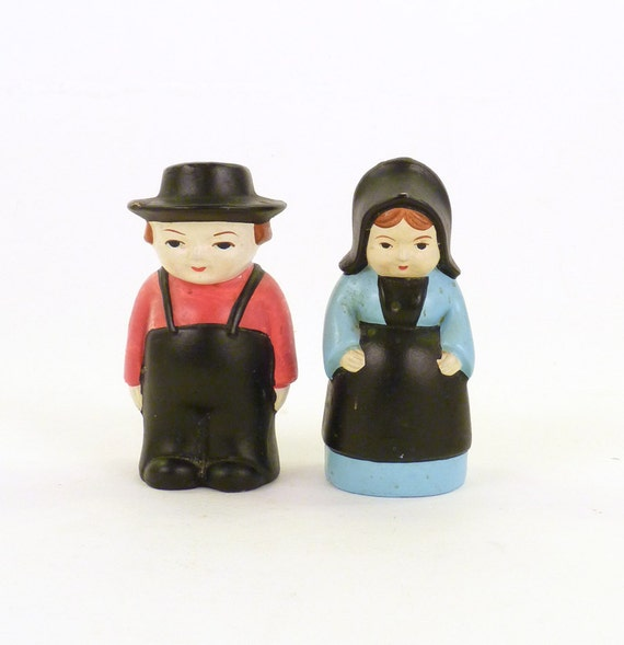 Vintage Thanksgiving Pilgrims Salt and Pepper Shakers Children Women Red Black Pale Blue Collectible Price Under 10
