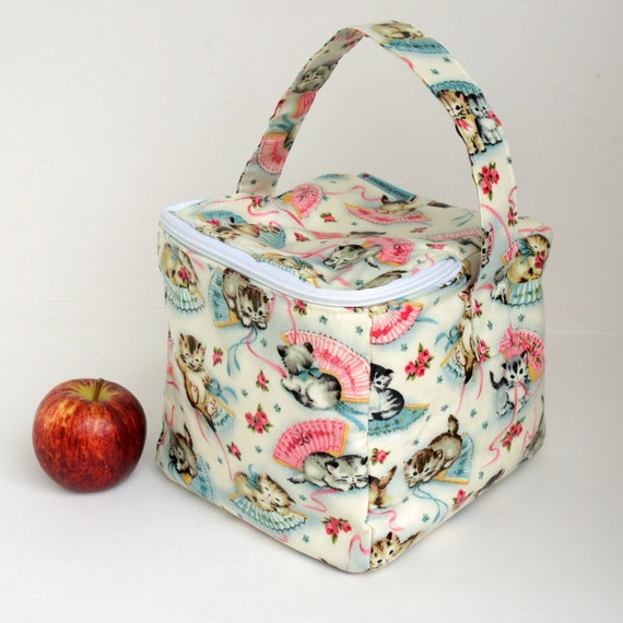 bento box lunch bag in retro kittens by uhreusable on etsy. Black Bedroom Furniture Sets. Home Design Ideas