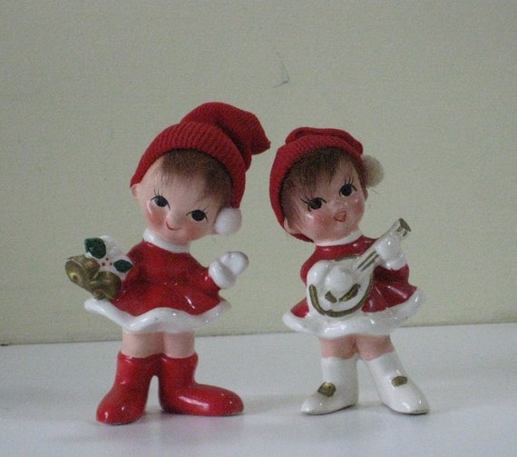 Pair Vintage Napco Pixie Christmas Carolers Ceramic with Real like Hair Knit Hat and Pom Pom X8392 Elf Figurine Ornament Decoration