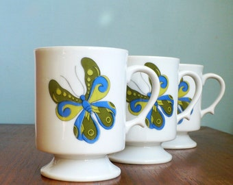 Butterfly Vintage Pedestal Mugs White Porcelain Set of 4 Mint Condition