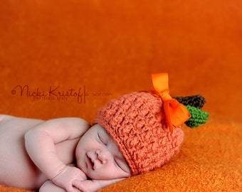 Crochet pumpkin hat, newborn pumpkin, photo props for fall, childs pumpkin hat, halloween costume, halloween outfit, newborn pumpkin hat