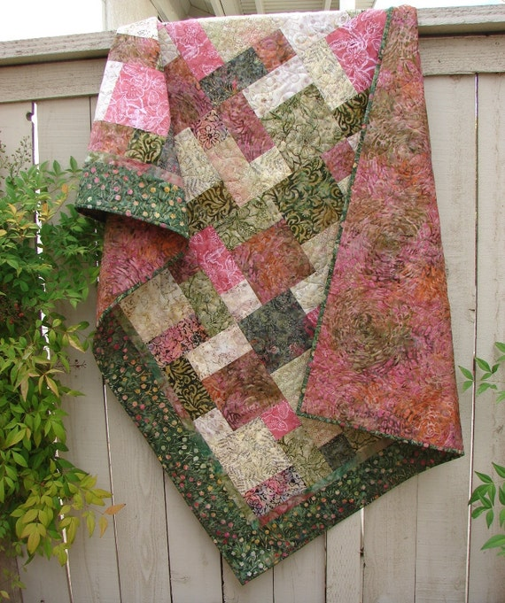 Free Quilt Patterns For Throws : Quilted Lap Quilt Throw Blanket Bed Coverlet Tonga Pomegranate
