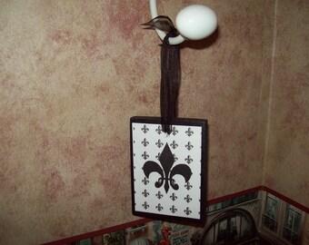 Wood Fleur de lis ornament hanging,Paris decor,Paris theme,Paris party decor,Paris bedroom decor,Paris Christmas decor