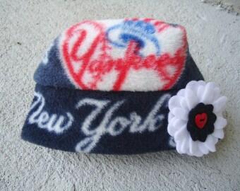 New York Yankees Flower Fleece Hat Sizes Newborn Baby Girls to Adult Women