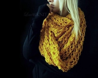 Infinity Knit Scarf / Chunky Infinity Scarf / Extra Long Scarf /  Circle Scarf / Mustard Yellow / Oversized Circle Scarf / Womens Infinity