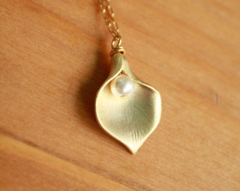 Gold Calla Lily and Fresh Water Pearl Necklace.  Weddings, Bridesmaids