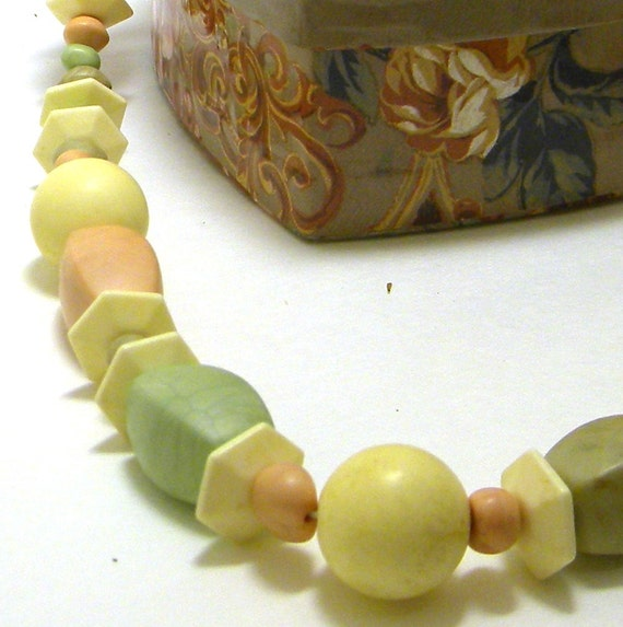 Vintage Beaded Necklace, Vintage Necklace, Beaded Necklace, Vintage Wood Bead Necklace, Pastel Bead Necklace