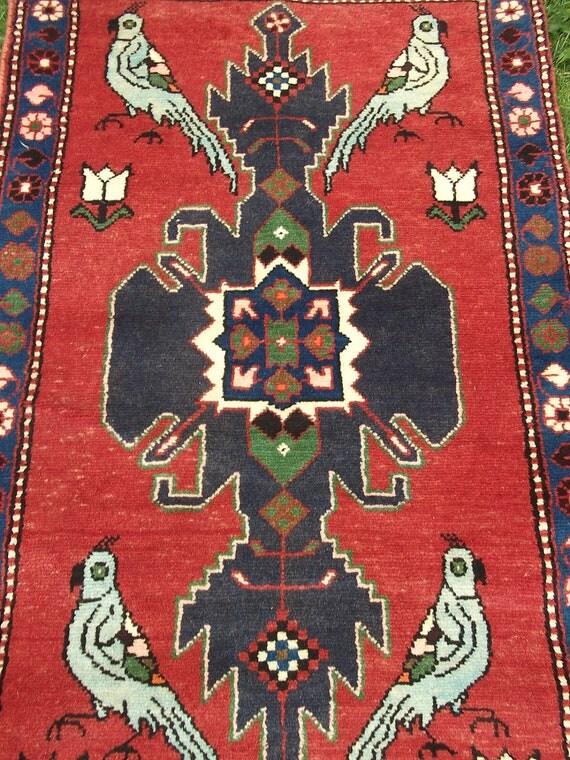 Nice Bakhtyari rug/kilim with bird motif from Afghanistan. Hand woven.