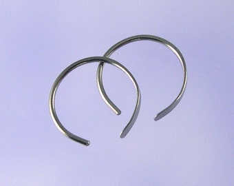 KISS9: Horseshoe open hoop niobium earrings