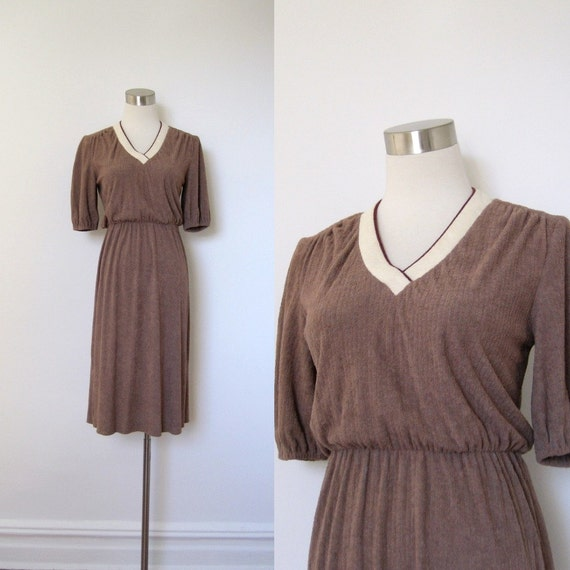 SALE-Vintage 1970s Dress / 70s Brown Terrycloth Dress / Subtle Stripe (small medium)