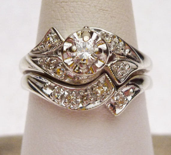 18k Center 15 pt and Sides 11 pts Diamond Wedding Set 1960s