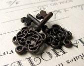 Filigree jewelry box key charms from Bad Girl Castings, black key, black pewter (2 small pendant keys) 28mm skeleton key CH-SC-024