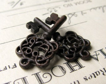 Filigree jewelry box key charms from Bad Girl Castings, black key, black pewter (2 small pendant keys) 28mm skeleton key CH-SC-024